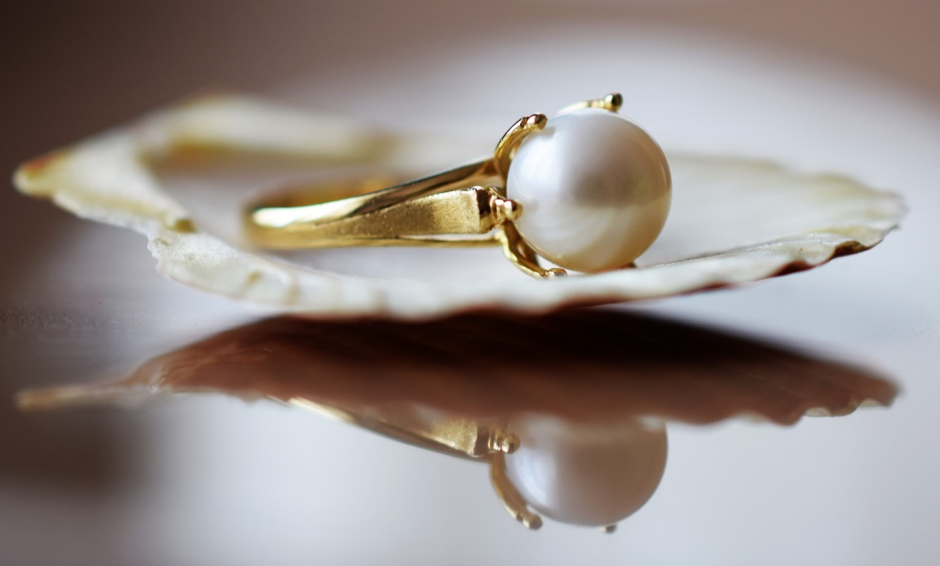 Looking After Your Antique Pearl Ring So That It Will Last // LUCY-COLE